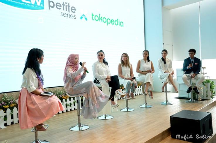Fasty Arum Utami Bersama Sandra Dewi Berbagi Pengetahuan MP-ASI